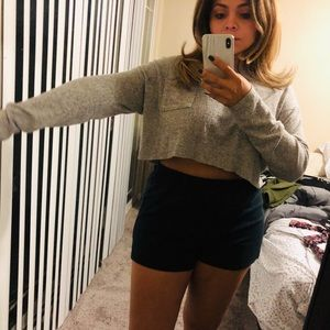Gray long sleeve crop
